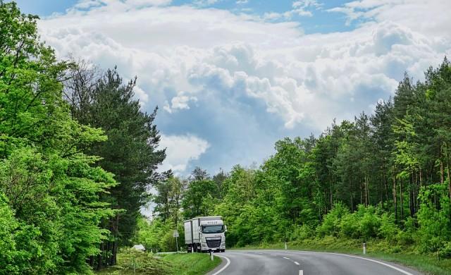 """Спират движението на камионите над 10 т през прохода """"Петрохан"""""""