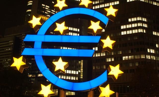 ЕЦБ се въздържа от нови стимули, но обеща такива през декември