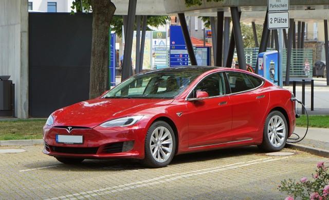 Tesla продаде над 240 000 автомобила през третото тримесечие на 2021 г.
