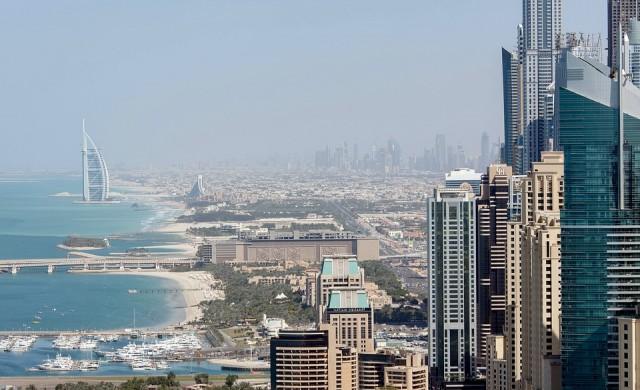 Първият и най-висок 360-градусов инфинити басейн ще отвори в Дубай (снимки)