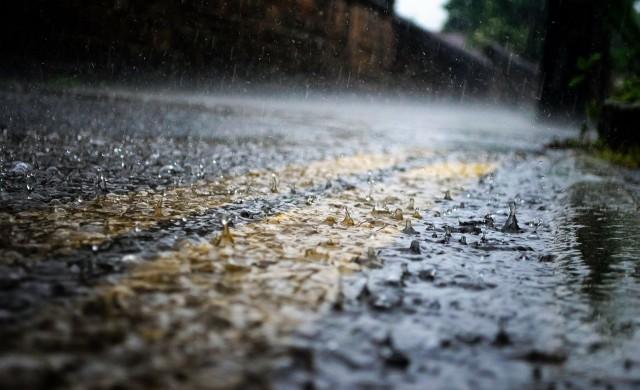 Оранжев код за валежи утре, има опасност от наводнения