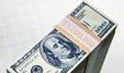Разнопосочна търговия с долара заради несигурността, свързана с кредитните пазари