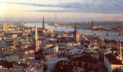 Икономиката на Латвия се сви с 18.4%