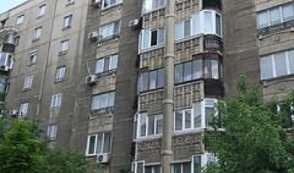 Купувачи на жилища в Румъния атакуват предприемач