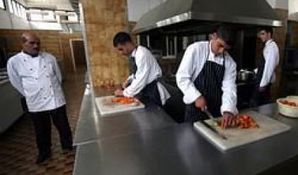 Мъжете прекарват повече време в кухнята от жените