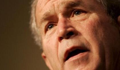 Шрьодер обвини Буш, че лъже в мемоарите си