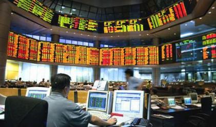 Разнопосочни индекси след поскъпването на долара