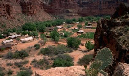 Да посетиш единственото селище в Гранд Каньон
