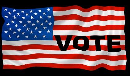 Щатите вече гласуват за президент, Хилари с първа победа