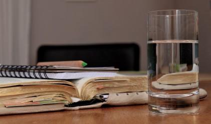 Какво се случва с тялото ви, ако един месец пиете само вода?