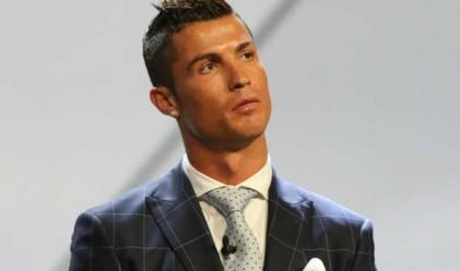 Първият футболист милиардер