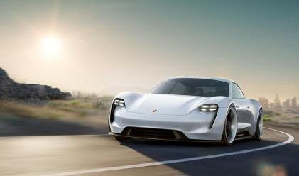 Porsche представи модел с място за работа