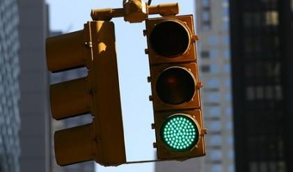 Светофарите у нас се регулират по формула от миналия век