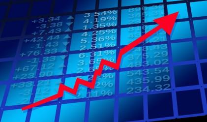 Щатските индекси продължават нагоре след скок в цената на петрола
