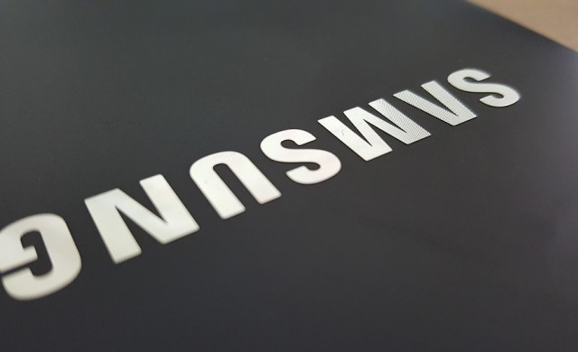 Как Samsung се подигра на Apple в новата си реклама?