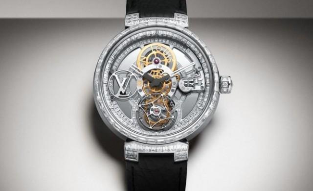 Часовник с 250 диаманта
