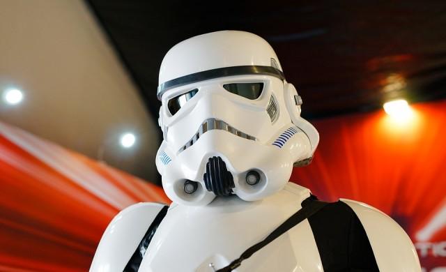 Внимание, фенове на Междузвездни войни: идва нова трилогия