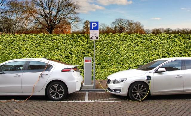 EON с мрежа за зареждане на електромобили от Норвегия до Италия