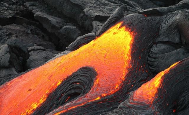 GoPro камера не само оцеля в лава поток, но и го записа