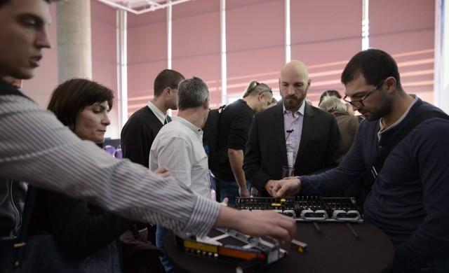 Legrand представи нова система за структурно окабеляване