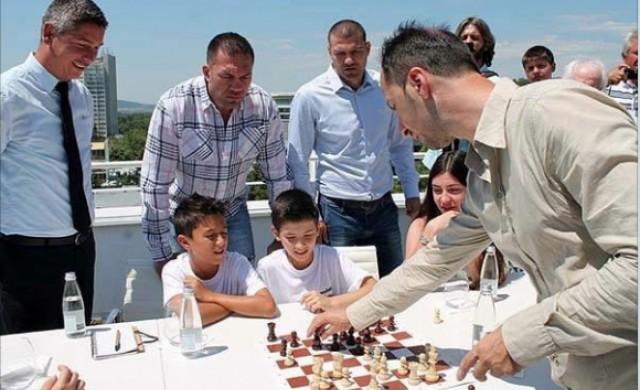 Шахматният двубой на Топалов с братя Пулеви с номинация