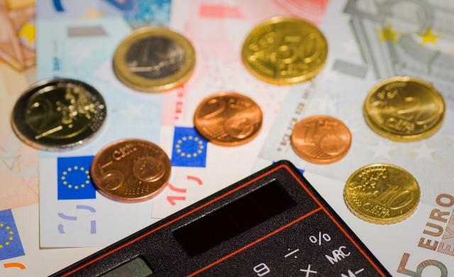 Каква сума спестиха българските домакинства за 10 месеца?