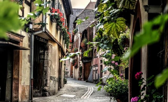 10 града с едни от най-красивите улици в света