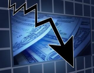 Разпродажби при технологичните акции оцветиха пазарите в червено