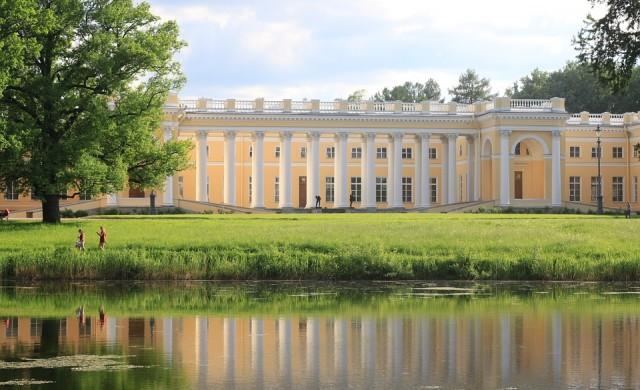 Руски царски дворец отваря врати след реновация за 2 млрд. рубли