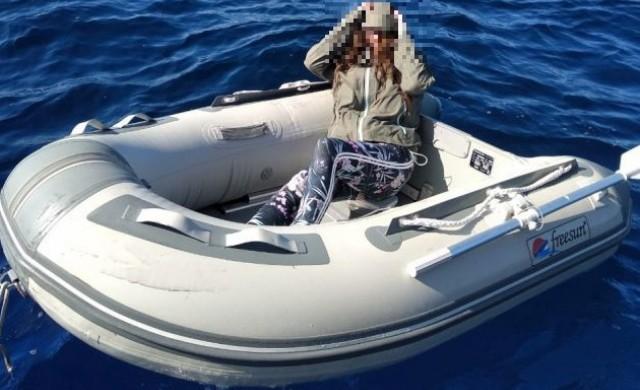 Туристка оцеля два дни в гръцко море с надуваема лодка
