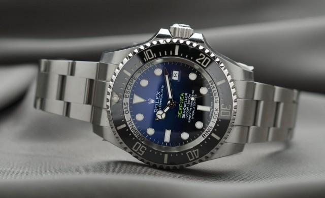 Защо Джей Зи изпраща часовници Rolex на богаташи?