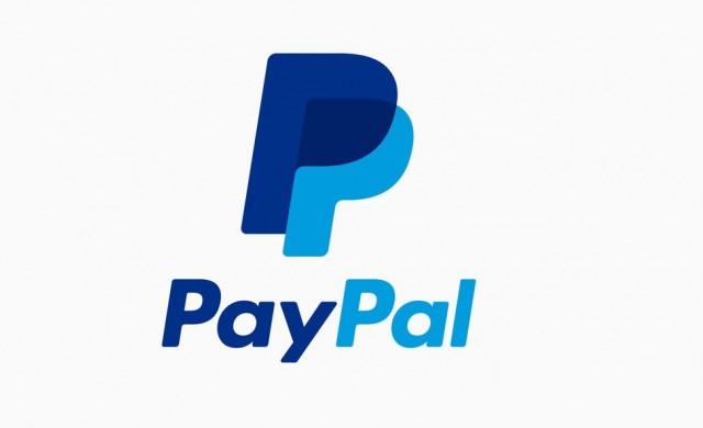 PayPal спира плащанията към модели в PornHub