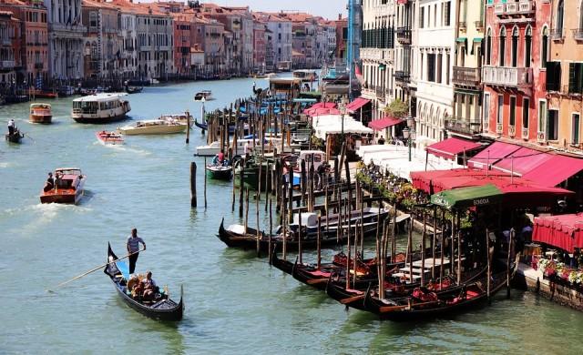 Щетите от наводнението във Венеция 1 млрд. евро