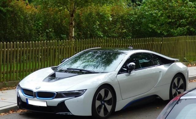 BMW поръча батерии за 10 млрд. евро
