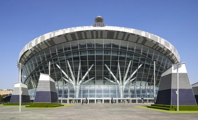 Седем футуристични стадиона, проектирани от известни архитекти