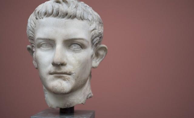 Император Калигула и първият секс круиз в човешката история