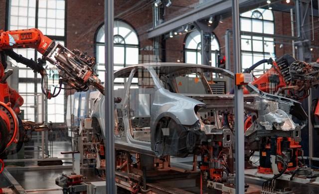 Китайският апетит за луксозни автомобили движи растежа на Източна Европа