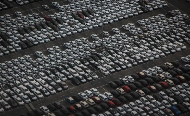 Сериозен спад на продажбите на нови автомобили у нас