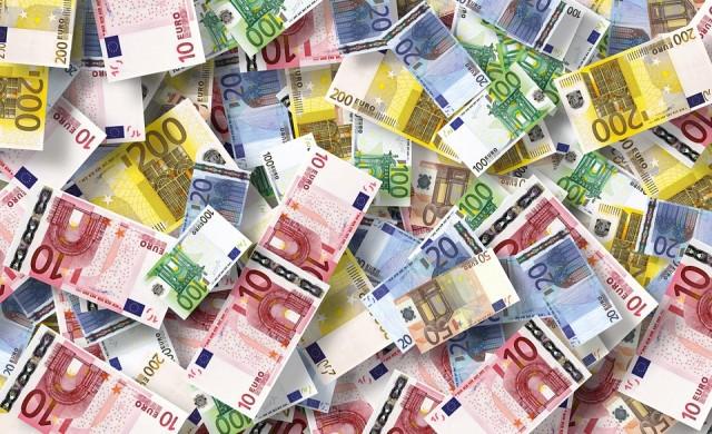 Еврото си върна първото място на най-използваната валута за разплащания