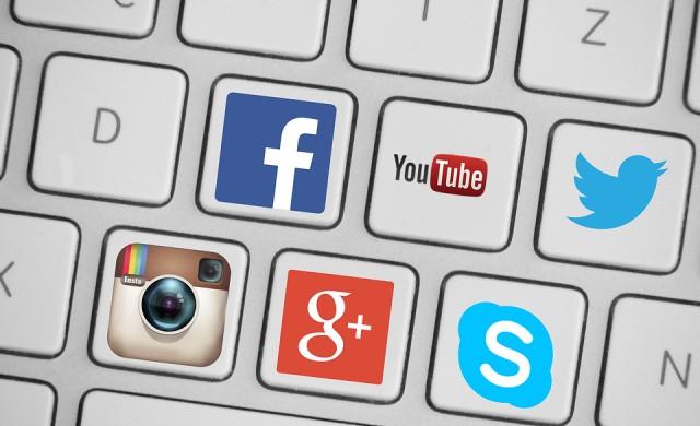 Готвят дело срещу Facebook за придобиването на Instagram и WhatsApp
