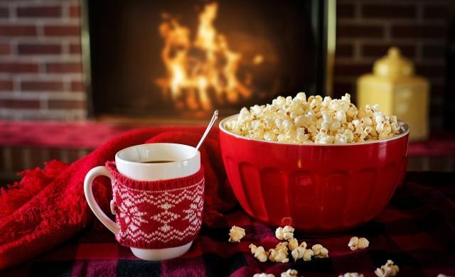 Уебсайт плаща 2500 долара за гледане на коледни филми