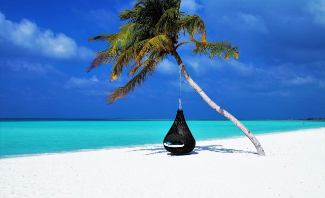 Луксът на Малдивите – как се пази дистанция в рая