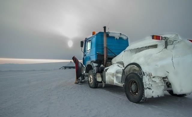Над 60 катастрофи в първия снежен ден от зимата