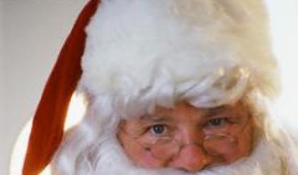 Издирват ненормалник, отправял неприлични предложения на Дядо Коледа