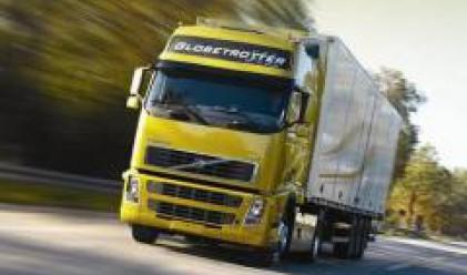 Волво изтегля 125 000 камиона от Северна Америка