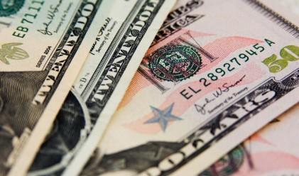 Доларът с двумесечен връх