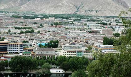 Китайските власти активно строят жилища в Тибет
