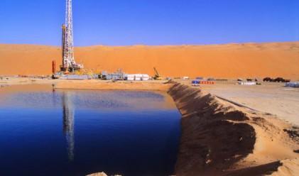 Петролът с минимален спад