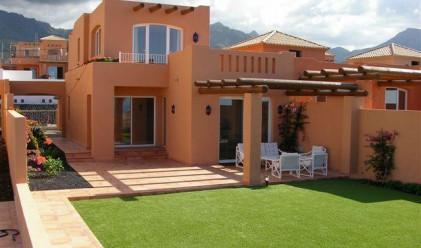 Цените на жилищата в Испания могат да паднат с още 27%