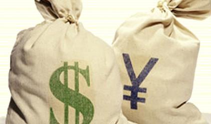 Доларът и йената-големите губещи